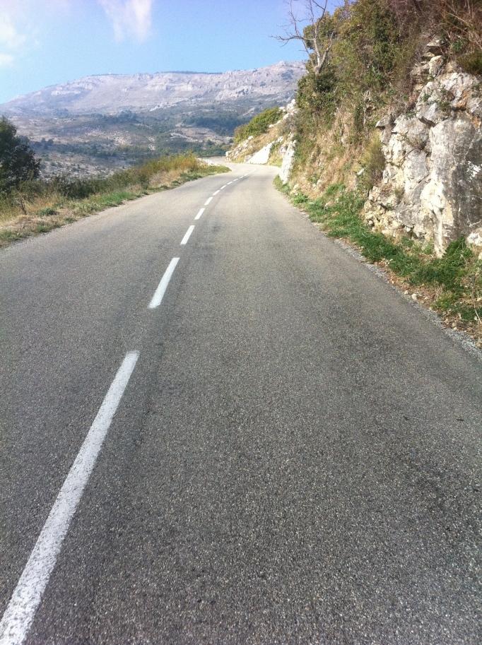 Härlig fransk bergsbacke att plåga ben i! Här har säkert Laurent Fignon slitit också.