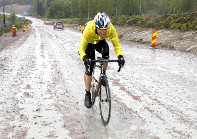 ToS-09. Någonstans på jakt efter jävla Gävle. Hoppas på mindre grusväg och bättre väder i år!